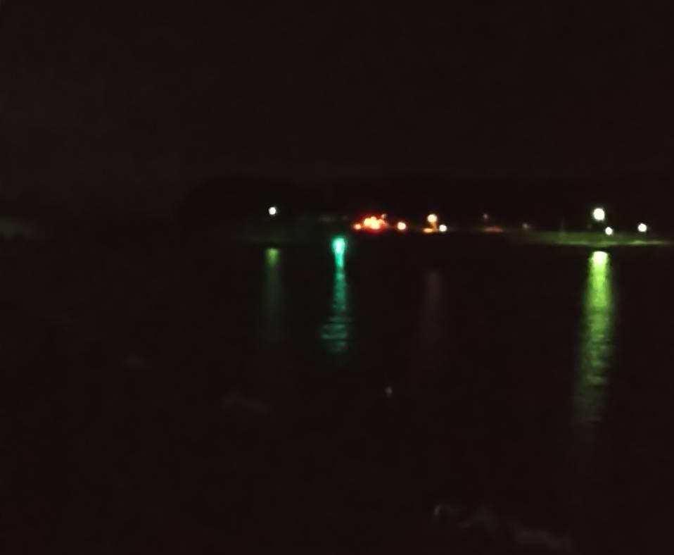 高輝度LED投光型集魚灯の明かり